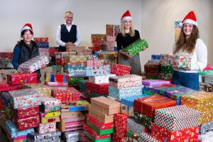 373 Weihnachten-im-Schuhkarton-Geschenke